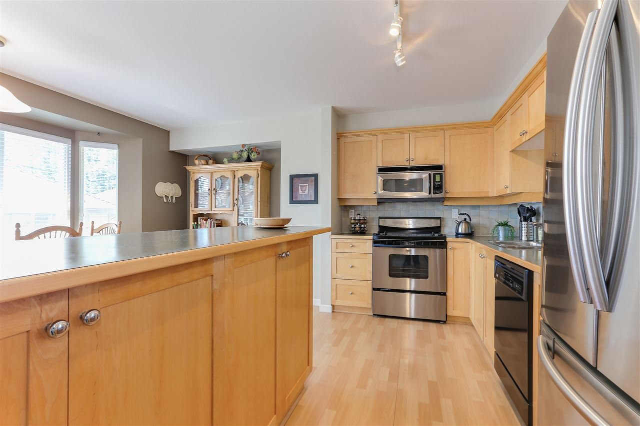 """Photo 7: Photos: 12 241 PARKSIDE Drive in Port Moody: Heritage Mountain Townhouse for sale in """"PINEHURST"""" : MLS®# R2361152"""