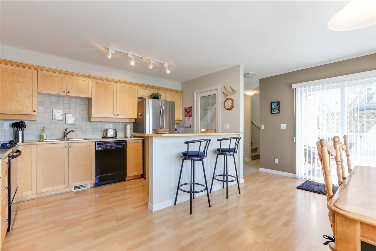"""Photo 8: Photos: 12 241 PARKSIDE Drive in Port Moody: Heritage Mountain Townhouse for sale in """"PINEHURST"""" : MLS®# R2361152"""