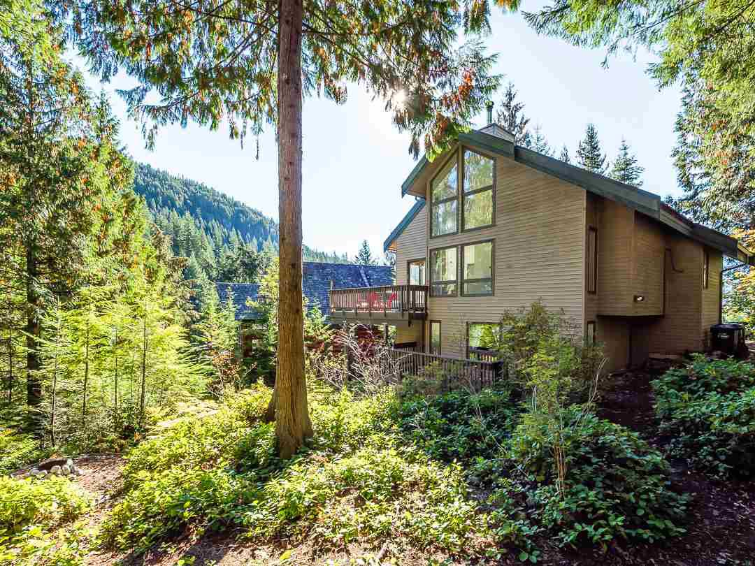 Photo 15: Photos: 1048 TOBERMORY Way in Squamish: Garibaldi Highlands House for sale : MLS®# R2364094