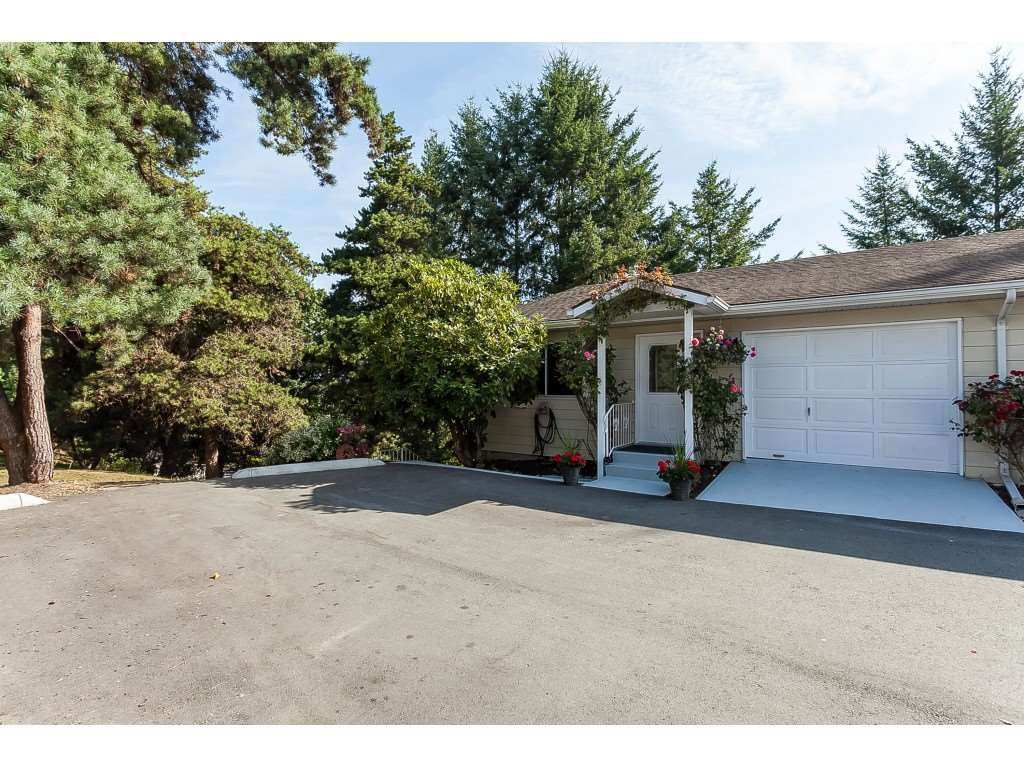 """Main Photo: 24 3292 ELMWOOD Drive in Abbotsford: Central Abbotsford Townhouse for sale in """"Sequestra Estates"""" : MLS®# R2396879"""