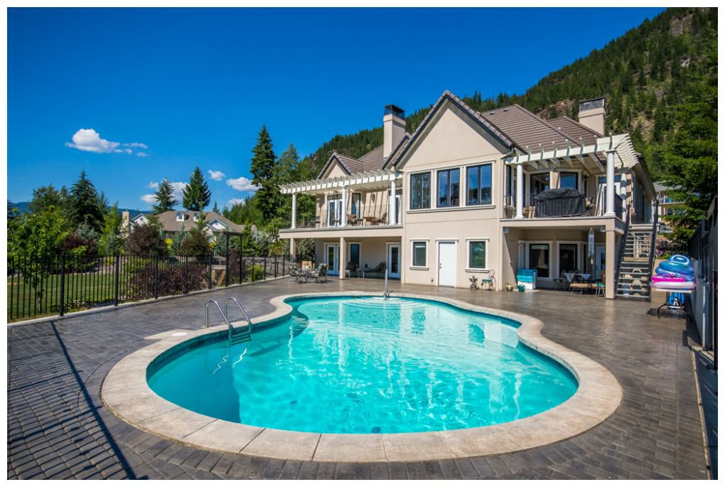 Main Photo: 3630 McBride Road in Blind Bay: McArthur Heights House for sale (Shuswap Lake)  : MLS®# 10204778