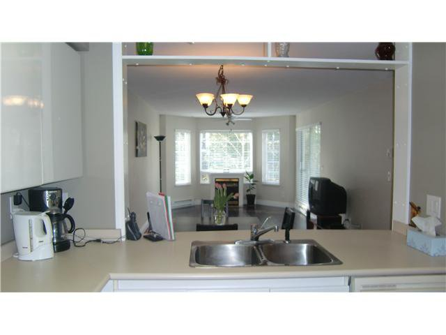 "Photo 3: Photos: 306 1189 WESTWOOD Street in Coquitlam: North Coquitlam Condo for sale in ""LAKESIDE TERRACE"" : MLS®# V870307"