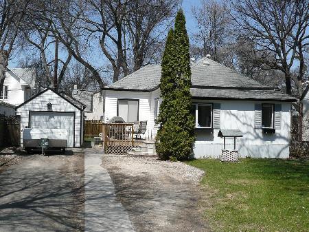 Main Photo: 47 Elm Park Road: Residential for sale (St. Vital)  : MLS®# 2807186