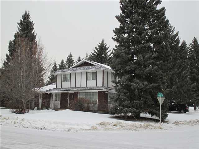 Main Photo: 2806 LINDEN Drive SW in CALGARY: Lakeview Village Residential Detached Single Family for sale (Calgary)  : MLS®# C3598346