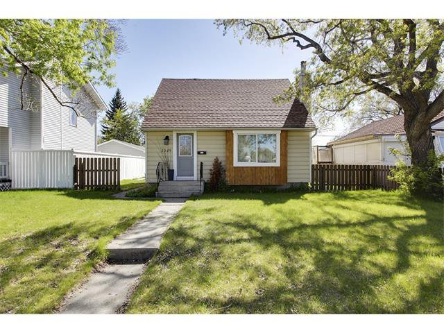Main Photo: 1049 REGAL Crescent NE in Calgary: Renfrew_Regal Terrace House for sale : MLS®# C4013292