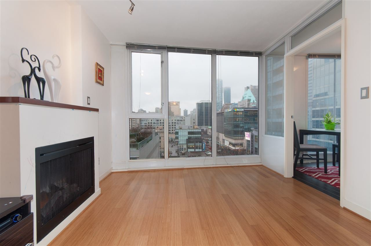 "Main Photo: 1002 822 SEYMOUR Street in Vancouver: Downtown VW Condo for sale in ""L'ARIA"" (Vancouver West)  : MLS®# R2036101"