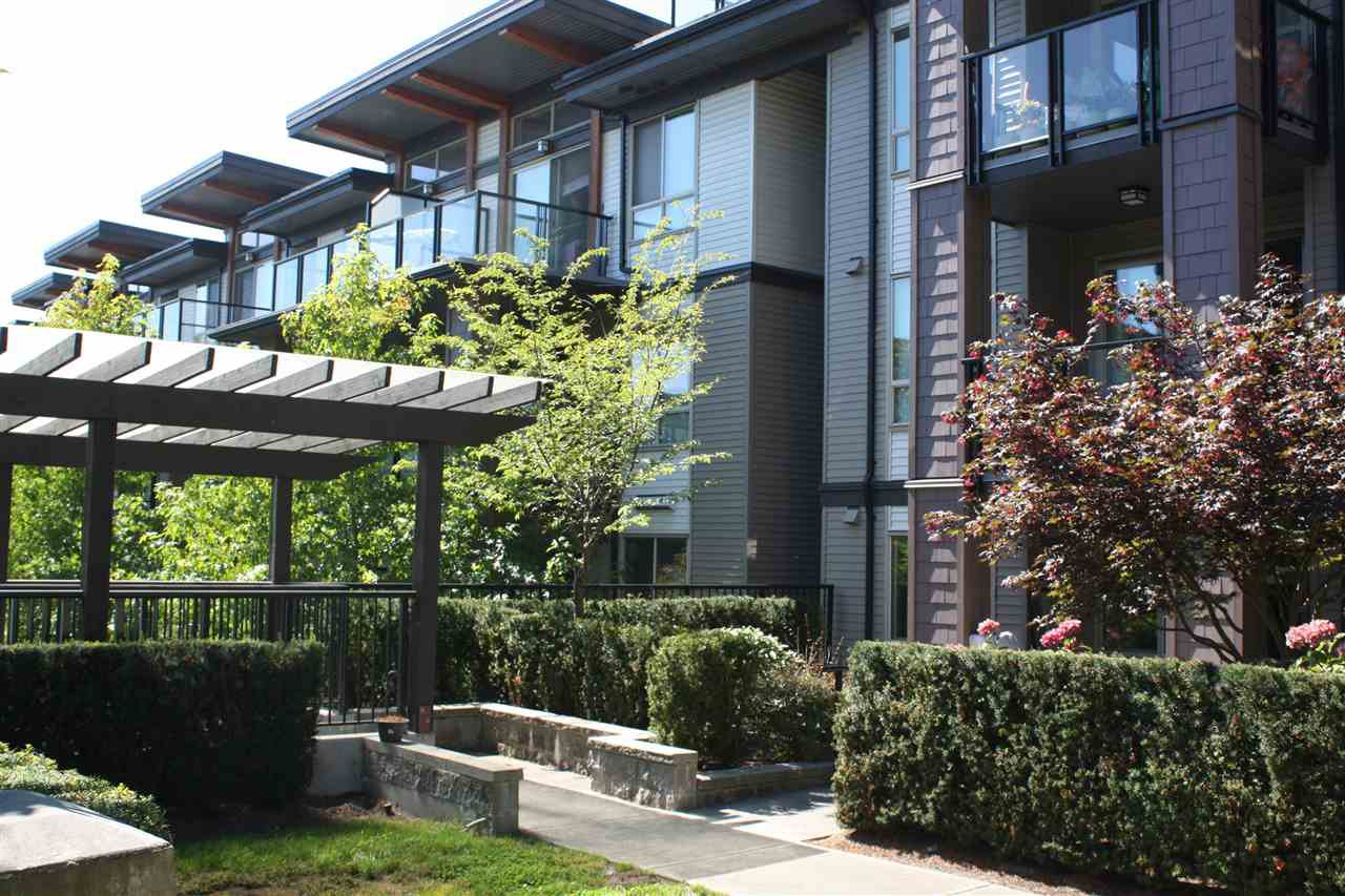 Main Photo: 209 7428 BYRNEPARK Walk in Burnaby: South Slope Condo for sale (Burnaby South)  : MLS®# R2102163