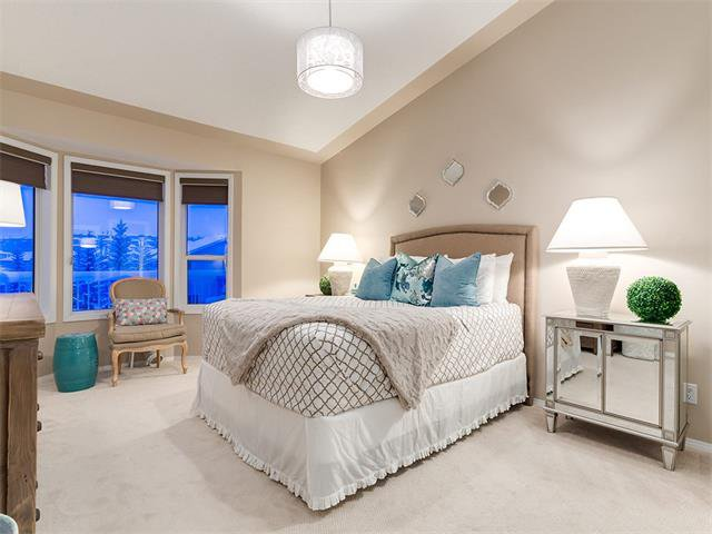 Photo 24: Photos: 68 SIERRA MORENA Green SW in Calgary: Signal Hill House for sale : MLS®# C4095788
