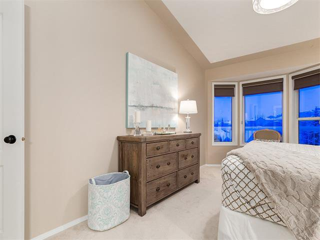 Photo 23: Photos: 68 SIERRA MORENA Green SW in Calgary: Signal Hill House for sale : MLS®# C4095788