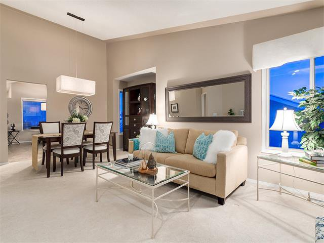 Photo 16: Photos: 68 SIERRA MORENA Green SW in Calgary: Signal Hill House for sale : MLS®# C4095788