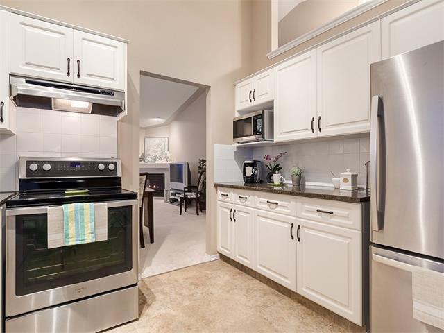 Photo 9: Photos: 68 SIERRA MORENA Green SW in Calgary: Signal Hill House for sale : MLS®# C4095788