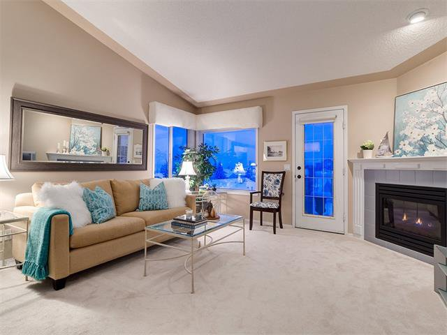 Photo 14: Photos: 68 SIERRA MORENA Green SW in Calgary: Signal Hill House for sale : MLS®# C4095788