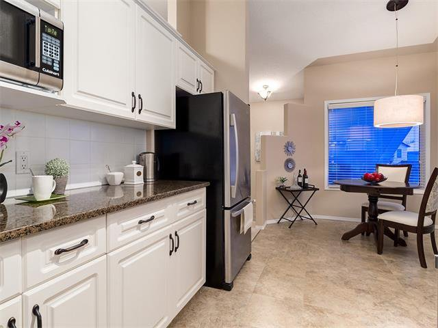 Photo 5: Photos: 68 SIERRA MORENA Green SW in Calgary: Signal Hill House for sale : MLS®# C4095788