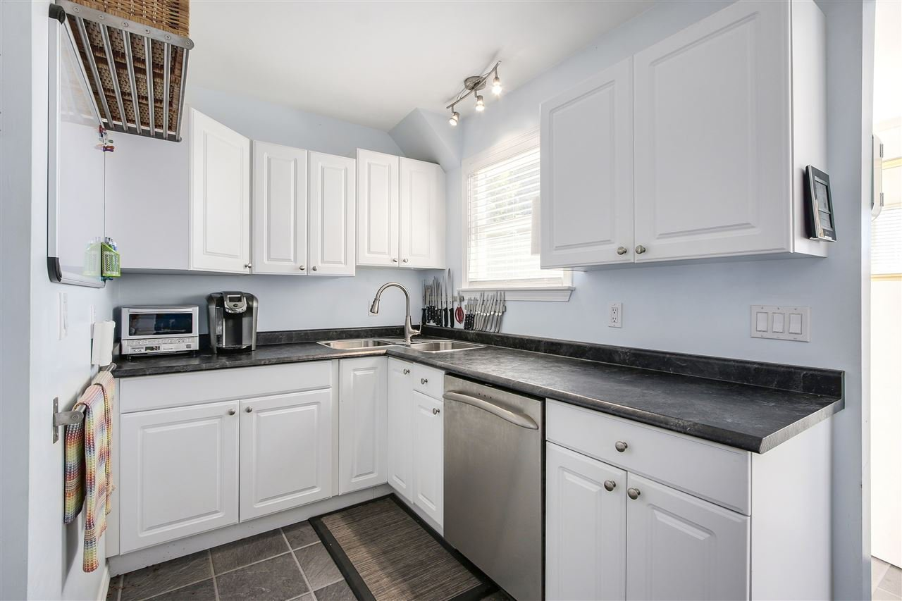 """Photo 7: Photos: 1810 TENTH Avenue in New Westminster: West End NW House for sale in """"West End"""" : MLS®# R2179683"""