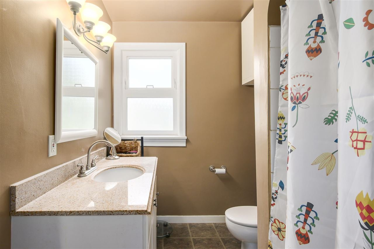 """Photo 11: Photos: 1810 TENTH Avenue in New Westminster: West End NW House for sale in """"West End"""" : MLS®# R2179683"""