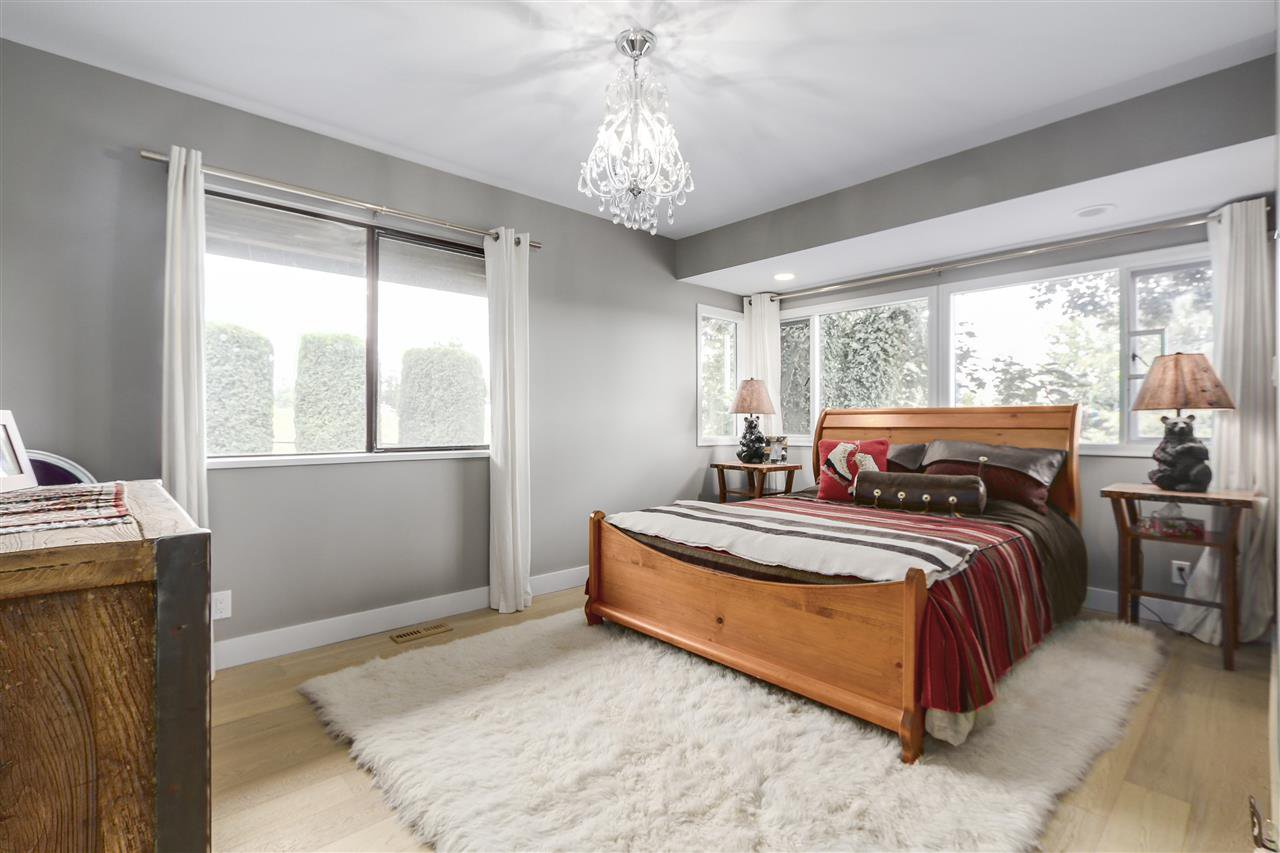 """Photo 12: Photos: 21318 32 Avenue in Langley: Brookswood Langley House for sale in """"Brookswood"""" : MLS®# R2181634"""