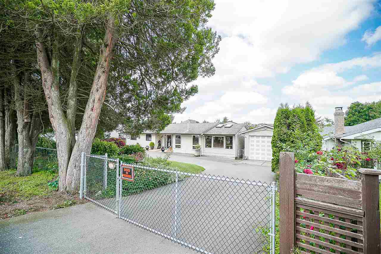"Main Photo: 3319 275 Street in Langley: Aldergrove Langley House for sale in ""ALDERGROVE"" : MLS®# R2184008"