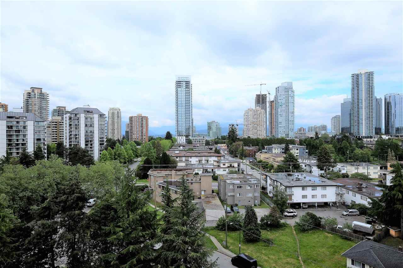 "Main Photo: 1102 6595 WILLINGDON Avenue in Burnaby: Metrotown Condo for sale in ""HUNTLEY MANOR"" (Burnaby South)  : MLS®# R2185179"