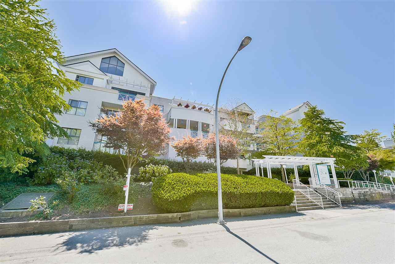 "Photo 20: Photos: 206 20268 54 Avenue in Langley: Langley City Condo for sale in ""BRIGHTON PLACE"" : MLS®# R2190927"