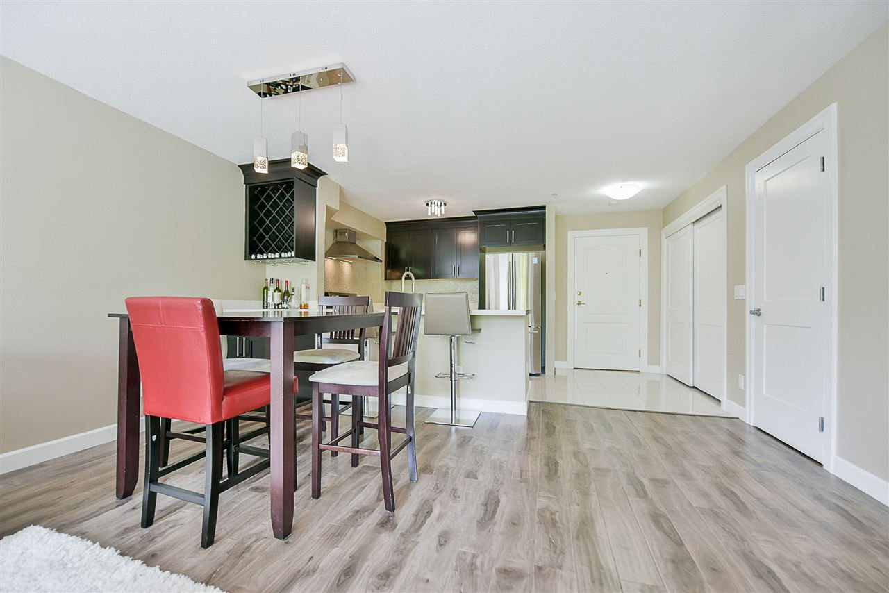 "Photo 9: Photos: 206 20268 54 Avenue in Langley: Langley City Condo for sale in ""BRIGHTON PLACE"" : MLS®# R2190927"