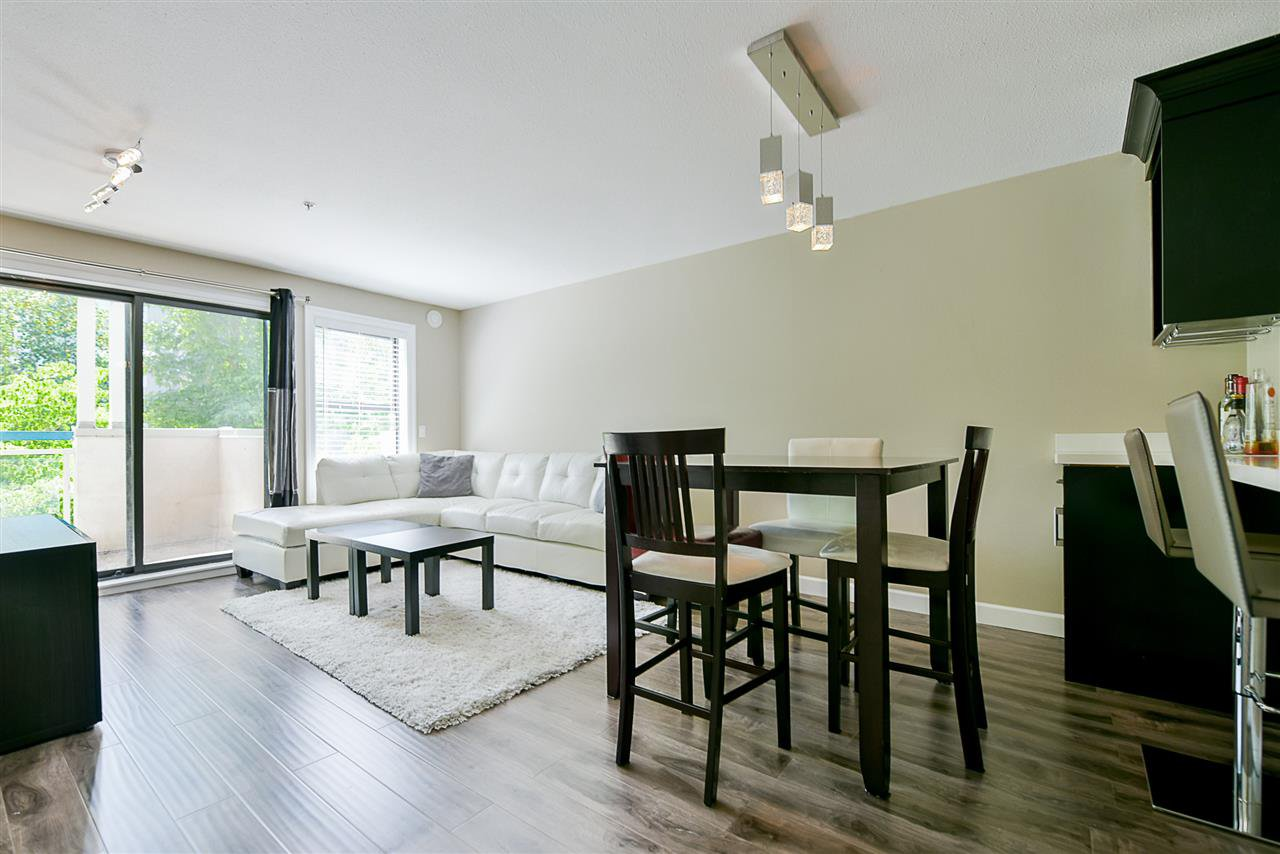 "Photo 7: Photos: 206 20268 54 Avenue in Langley: Langley City Condo for sale in ""BRIGHTON PLACE"" : MLS®# R2190927"