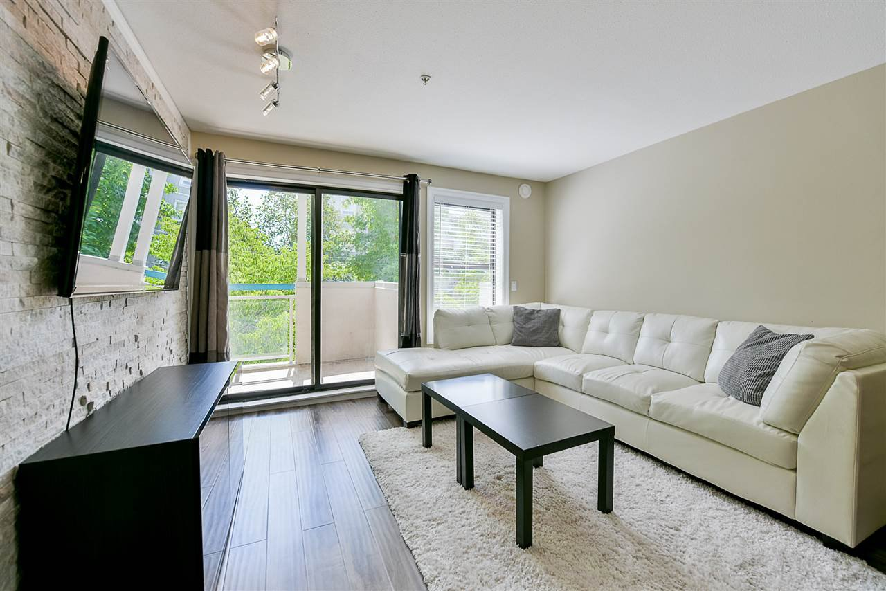 "Photo 12: Photos: 206 20268 54 Avenue in Langley: Langley City Condo for sale in ""BRIGHTON PLACE"" : MLS®# R2190927"