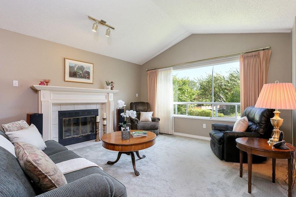 "Photo 3: Photos: 2339 KENSINGTON Crescent in Port Coquitlam: Citadel PQ House for sale in ""CITADEL HEIGHTS"" : MLS®# R2192345"