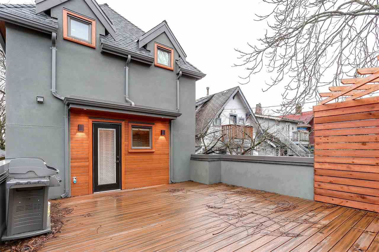 Main Photo: 3307 W 6TH Avenue in Vancouver: Kitsilano House for sale (Vancouver West)  : MLS®# R2195322