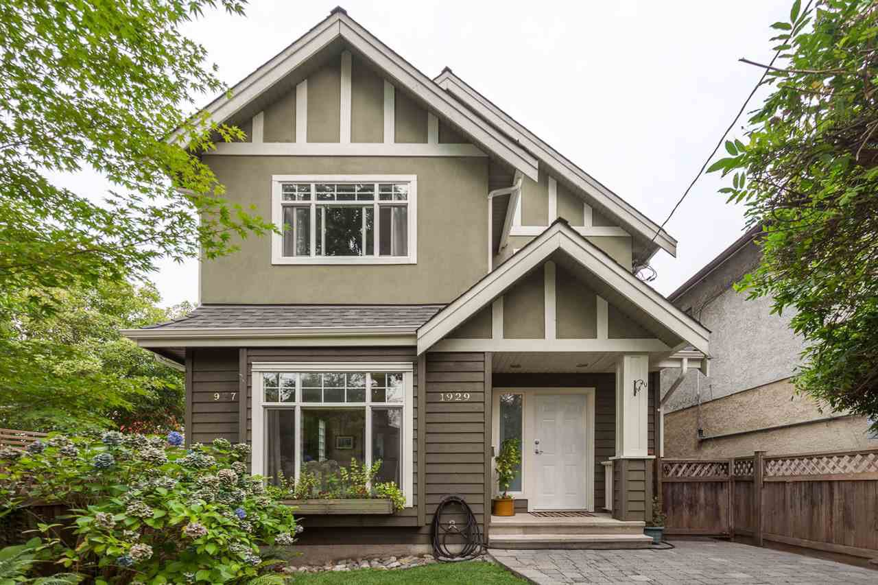 """Main Photo: 1929 CHARLES Street in Vancouver: Grandview VE House 1/2 Duplex for sale in """"COMMERCIAL DRIVE"""" (Vancouver East)  : MLS®# R2204079"""