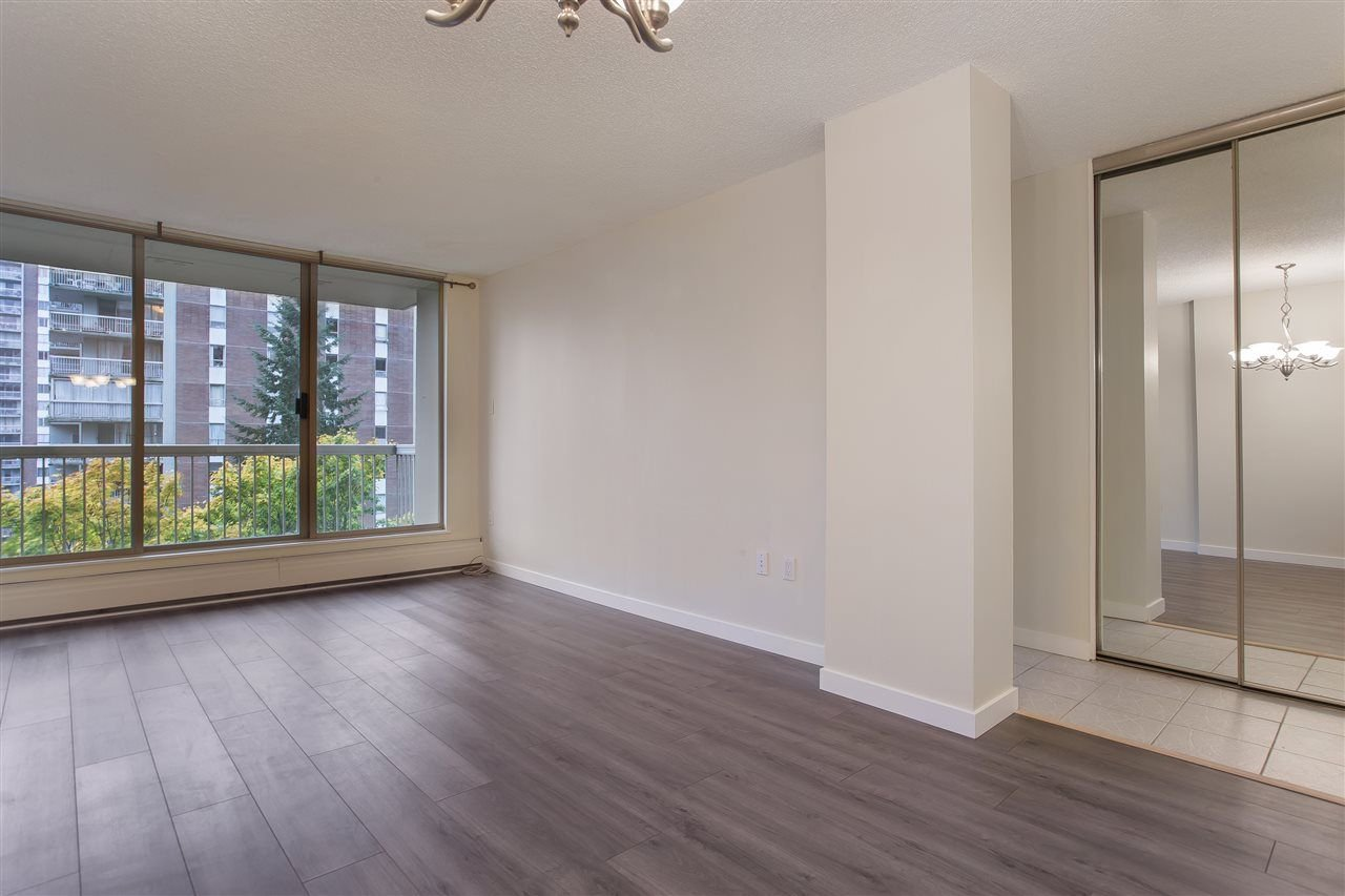 "Main Photo: 802 2008 FULLERTON Avenue in North Vancouver: Pemberton NV Condo for sale in ""Seymour By Woodcroft Estate"" : MLS®# R2216896"