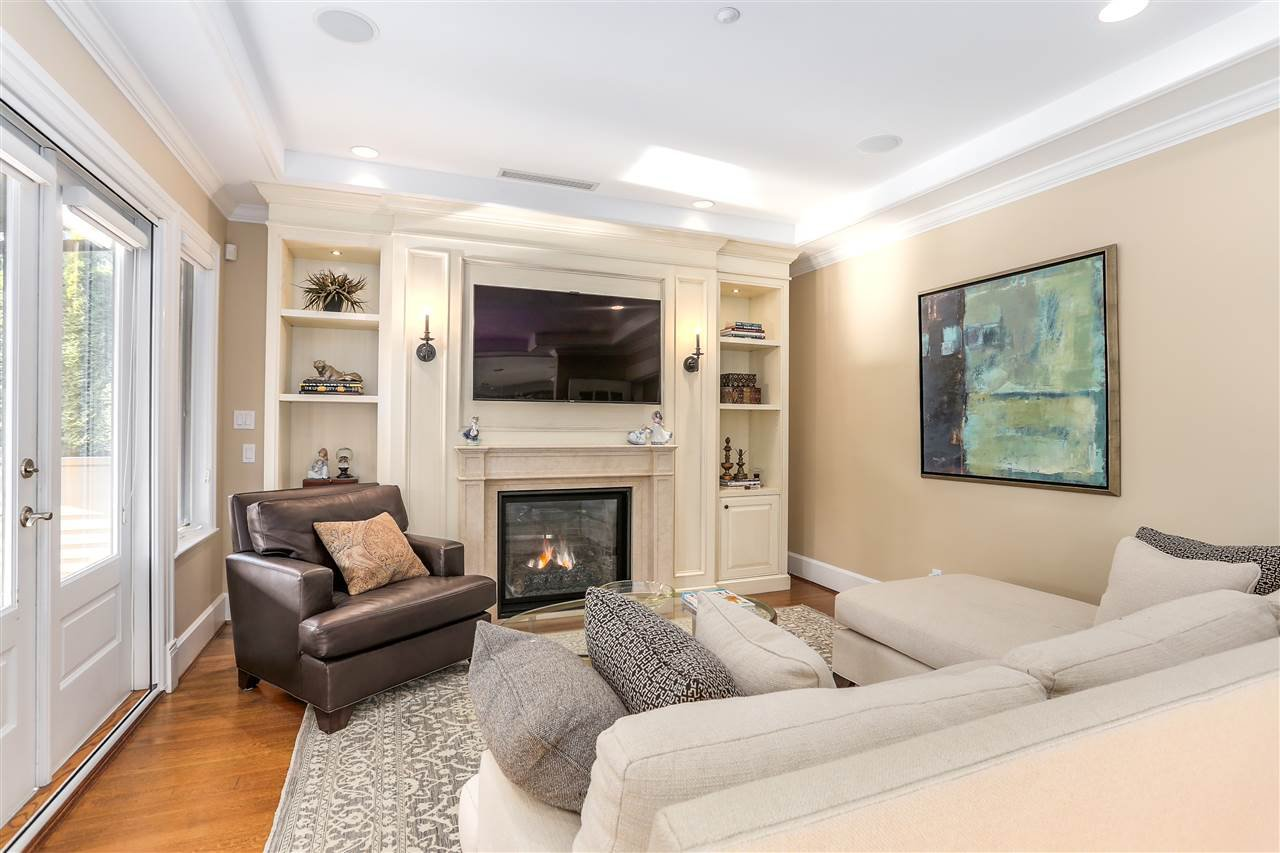 Photo 5: Photos: 2250 W 34TH Avenue in Vancouver: Quilchena House for sale (Vancouver West)  : MLS®# R2228020