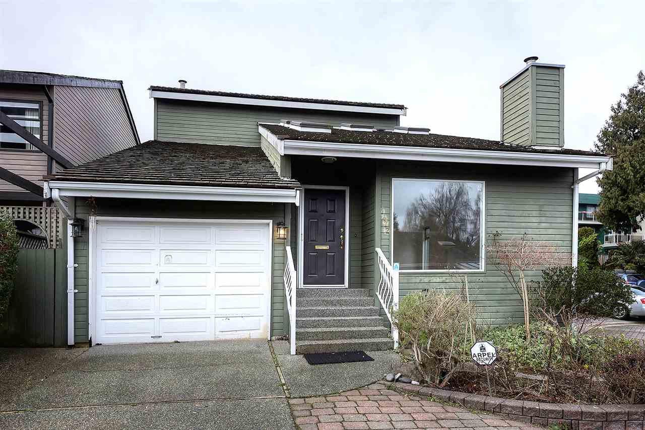 """Main Photo: 1472 VILLAGE GREENS WYND in Delta: Beach Grove House for sale in """"VILLAGE GREEN WYNDS"""" (Tsawwassen)  : MLS®# R2237294"""