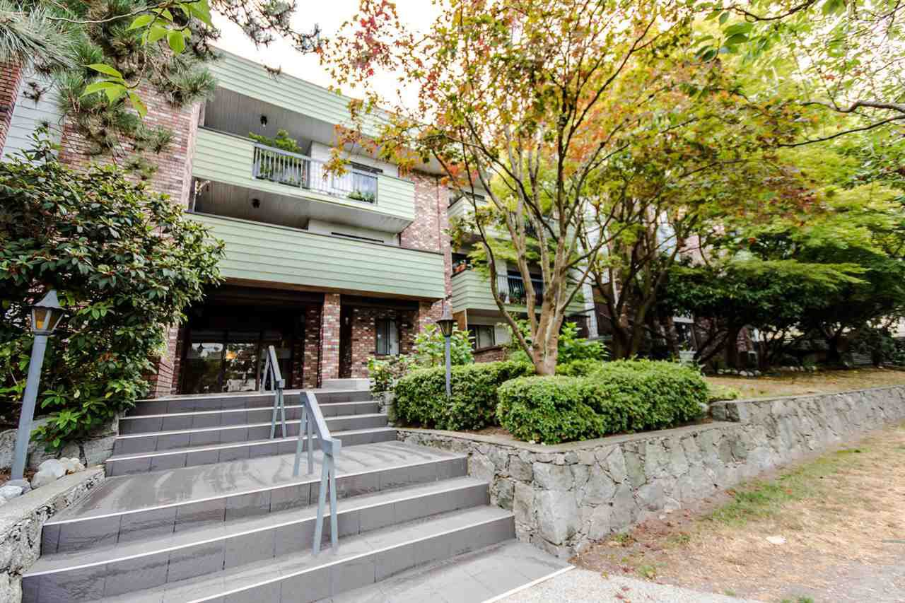 "Main Photo: 214 710 E 6TH Avenue in Vancouver: Mount Pleasant VE Condo for sale in ""McMillan House"" (Vancouver East)  : MLS®# R2302578"