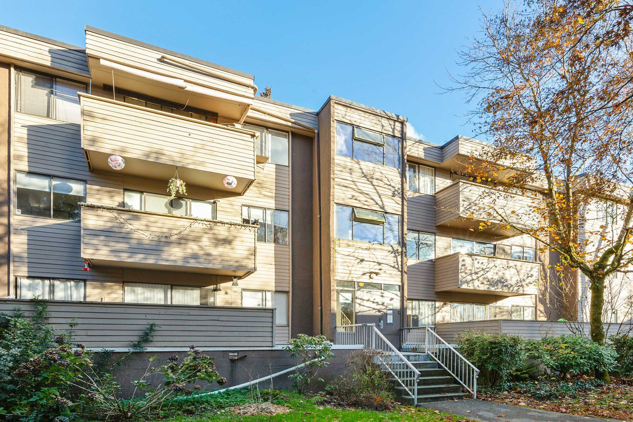 "Main Photo: 24 2430 WILSON Avenue in Port Coquitlam: Central Pt Coquitlam Condo for sale in ""ORCHARD VALLEY"" : MLS®# R2321065"
