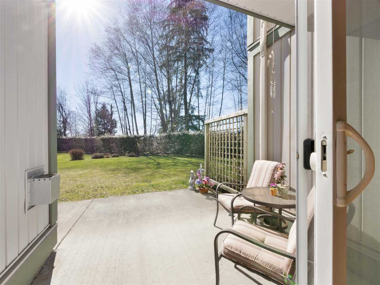 """Main Photo: 34 735 PARK Road in Gibsons: Gibsons & Area Townhouse for sale in """"SHERWOOD GROVE"""" (Sunshine Coast)  : MLS®# R2352422"""