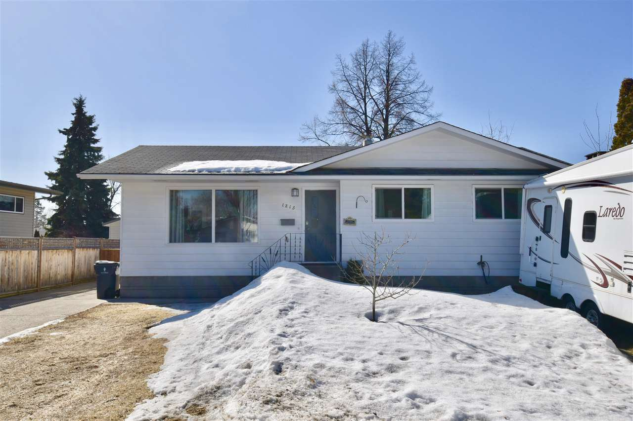 Main Photo: 1215 MANSON Crescent in Prince George: Spruceland House for sale (PG City West (Zone 71))  : MLS®# R2353863