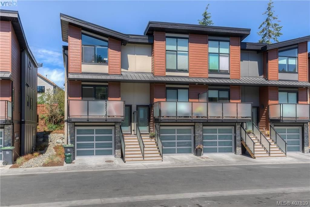 Main Photo: 145 300 Phelps Ave in VICTORIA: La Thetis Heights Row/Townhouse for sale (Langford)  : MLS®# 810514