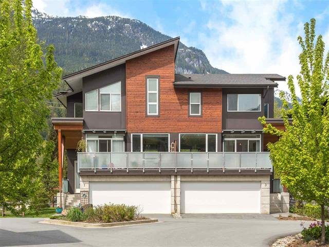 """Main Photo: 3 41488 BRENNAN Road in Squamish: Brackendale House 1/2 Duplex for sale in """"RIVENDALE"""" : MLS®# R2358190"""
