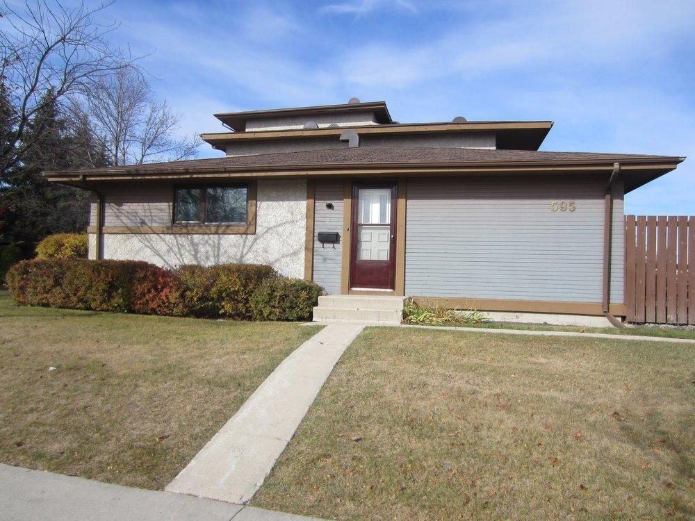 Main Photo: 1 595 Adsum in Winnipeg: Maples Condo for sale ()