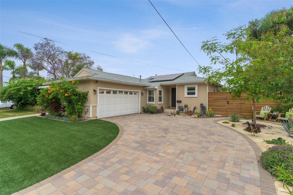 Main Photo: DEL CERRO House for sale : 3 bedrooms : 6366 Delbarton St in San Diego