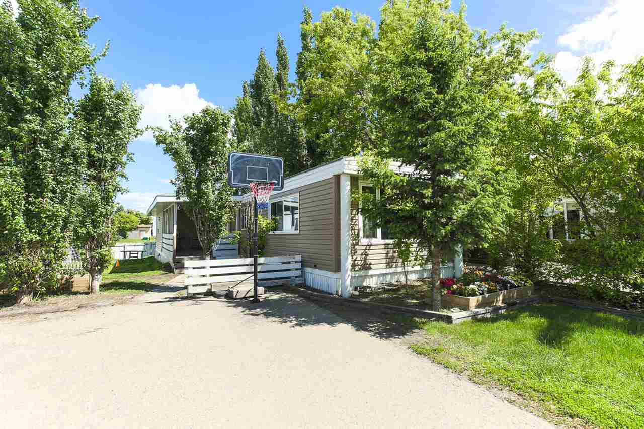 Main Photo: 1604 West Royal Place Road NW in Edmonton: Zone 59 Mobile for sale : MLS®# E4161317