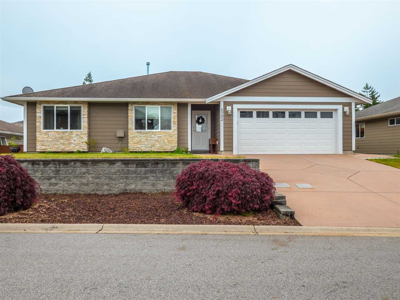 "Main Photo: 5792 GENNI'S Way in Sechelt: Sechelt District House for sale in ""The Ridge"" (Sunshine Coast)  : MLS®# R2387617"