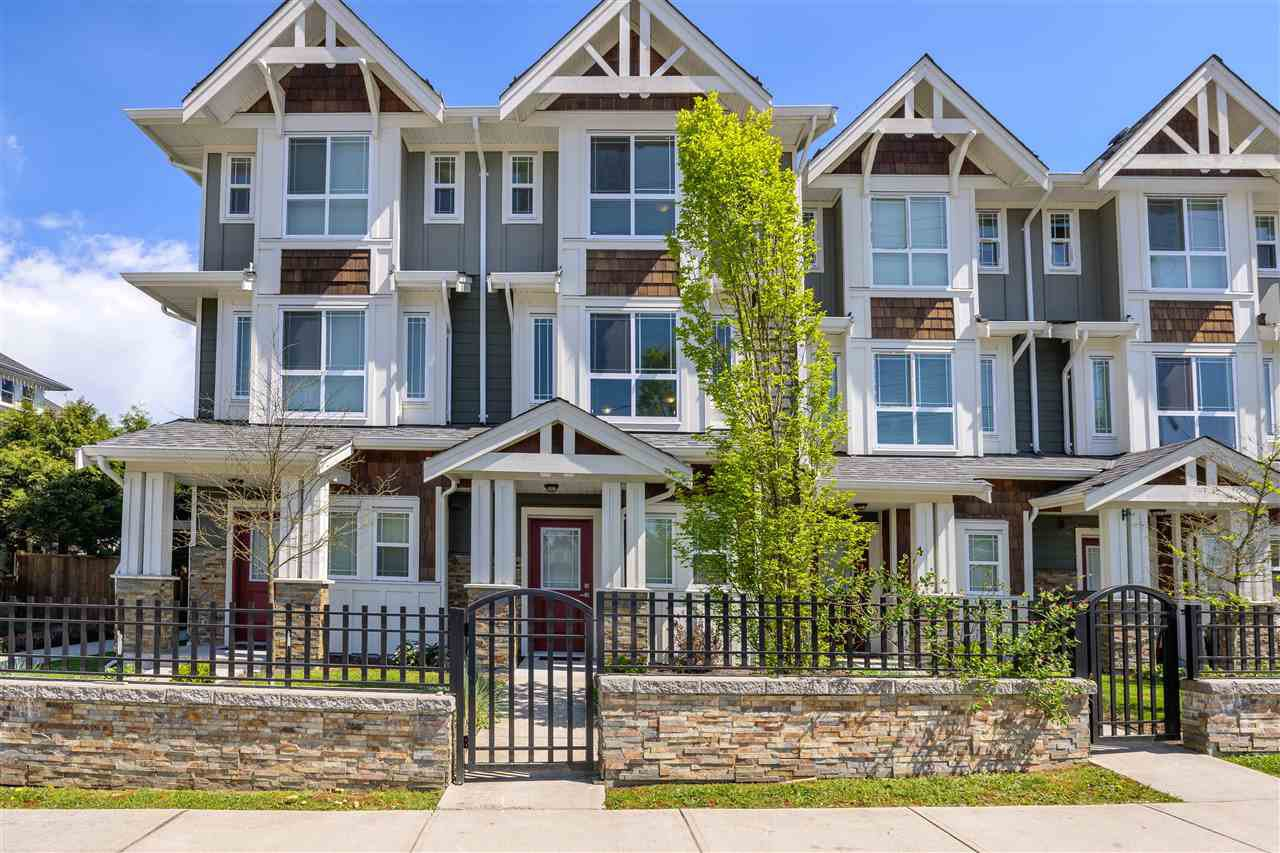 """Main Photo: 5 9989 240A Street in Maple Ridge: Albion Townhouse for sale in """"ALBION CROSSING"""" : MLS®# R2454131"""