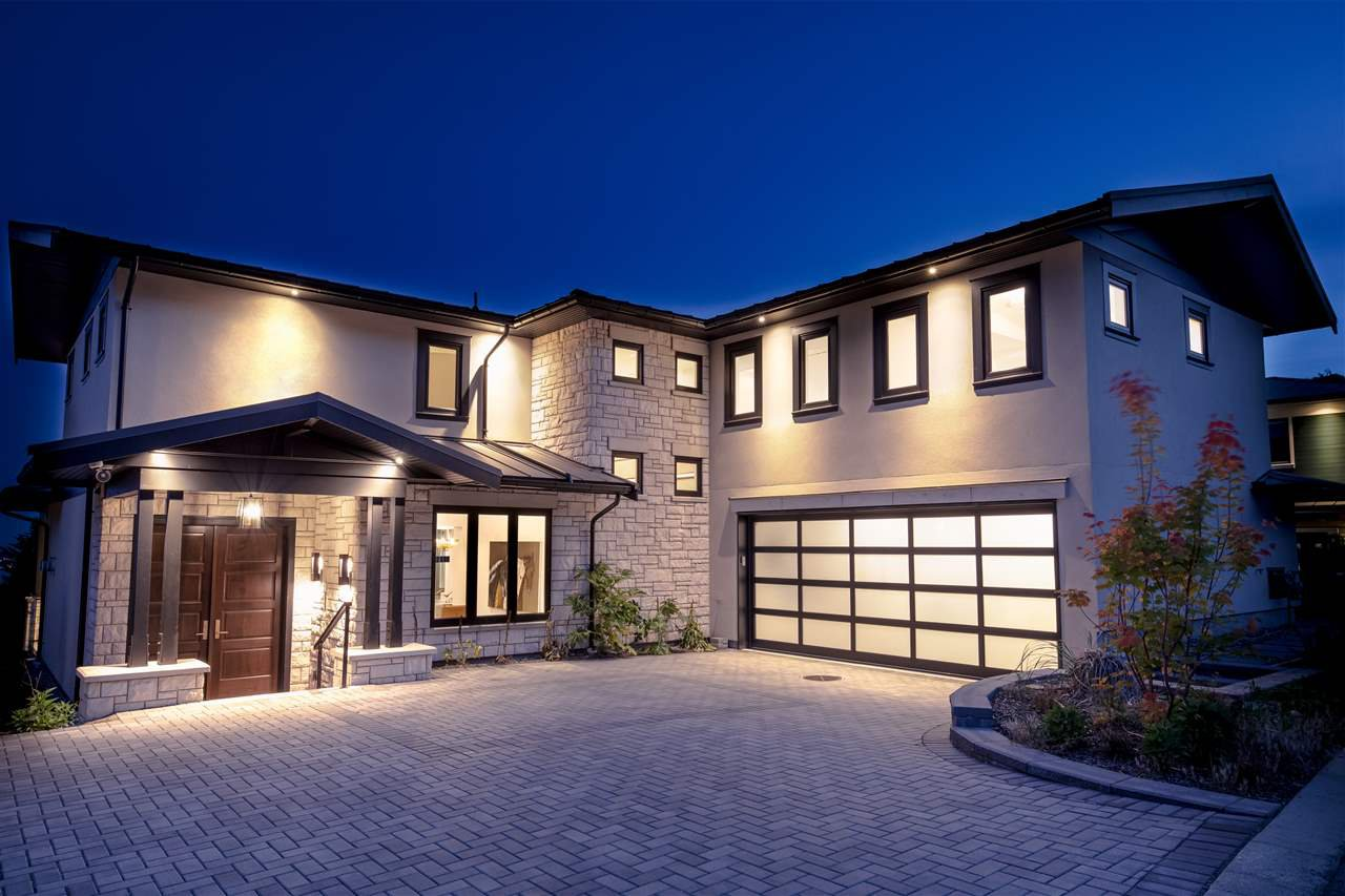 """Main Photo: 2111 UNION Court in West Vancouver: Westhill House for sale in """"AMBER RISE ESTATES"""" : MLS®# R2472028"""