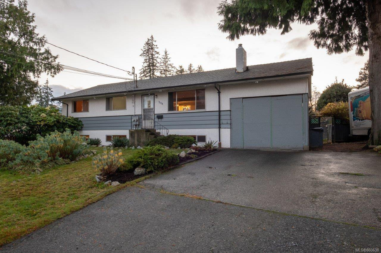 Main Photo: 3161 Uplands Dr in : Na Uplands House for sale (Nanaimo)  : MLS®# 860638