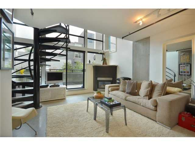 """Main Photo: 309 428 W 8TH Avenue in Vancouver: Mount Pleasant VW Condo for sale in """"XL LOFTS"""" (Vancouver West)  : MLS®# V910396"""