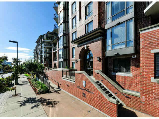 """Main Photo: 503 1581 FOSTER Street: White Rock Condo for sale in """"SUSSEX HOUSE"""" (South Surrey White Rock)  : MLS®# F1423430"""