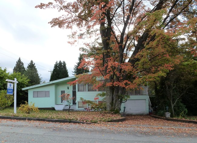 Main Photo: 1694 Cornell Avenue in Coquitlam: Home for sale