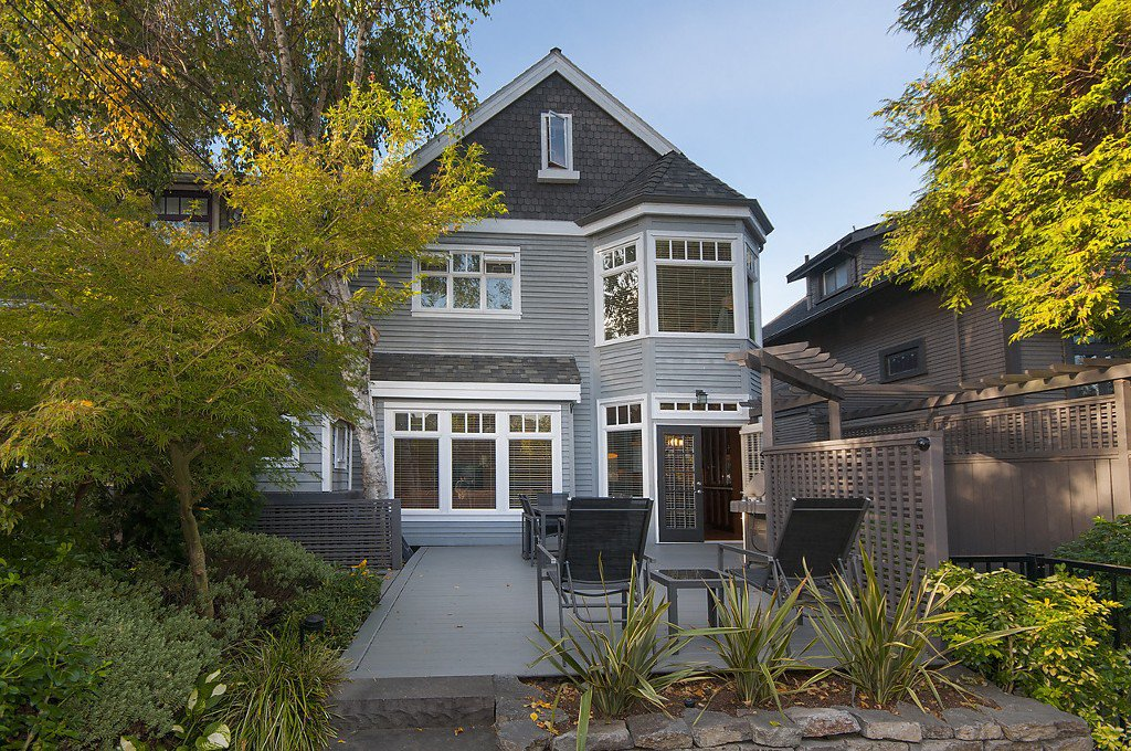 Photo 2: Photos: 3535 W 5TH Avenue in Vancouver: Kitsilano House 1/2 Duplex for sale (Vancouver West)  : MLS®# R2001712