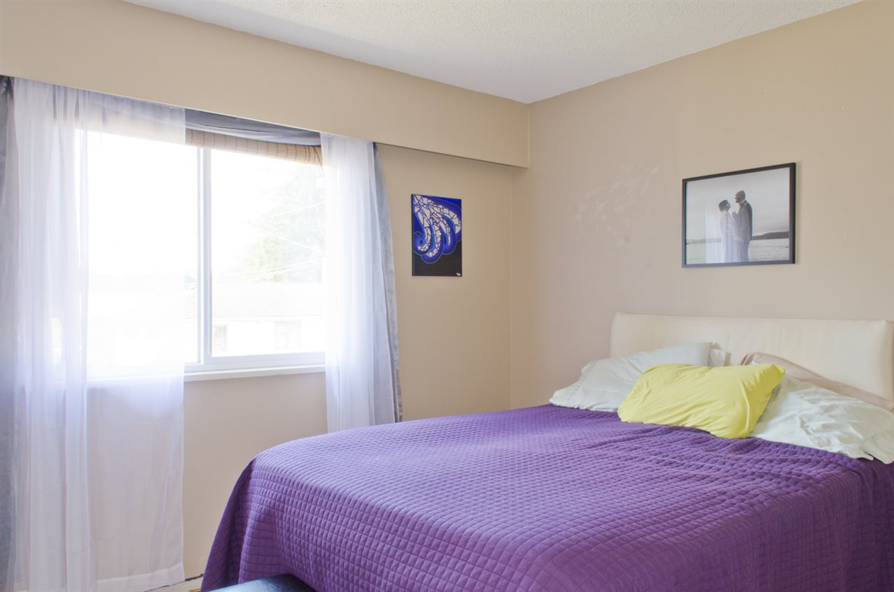Photo 7: Photos: 839 CATHERINE Avenue in Coquitlam: Coquitlam West House for sale : MLS®# R2085426